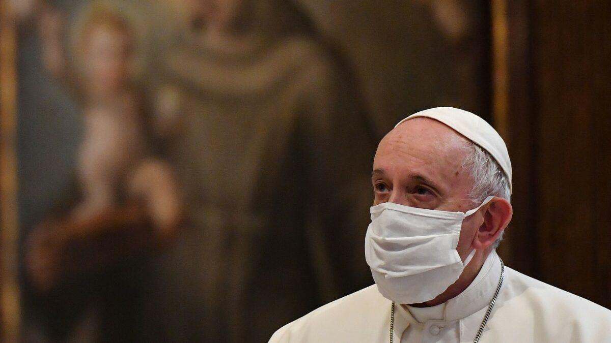 چشم چرانی مجازی پاپ یا خطای واتیکان