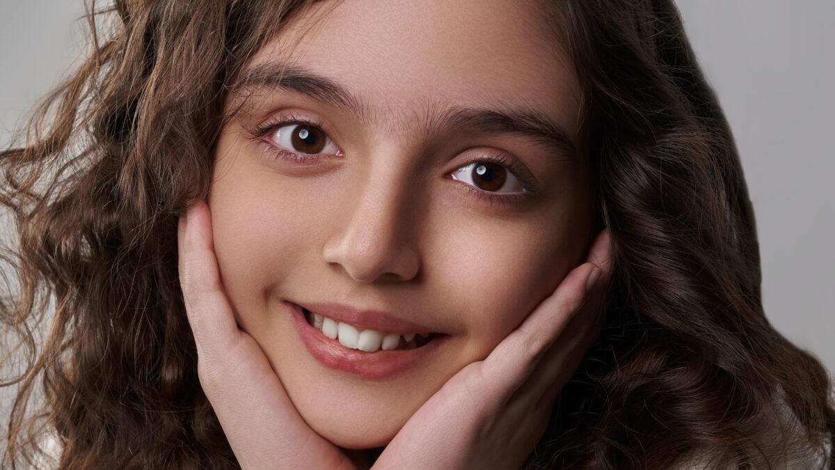 گپ و گفت با رونیا کاظمی، نابغه ایرانی که به شش زبان صحبت می کند