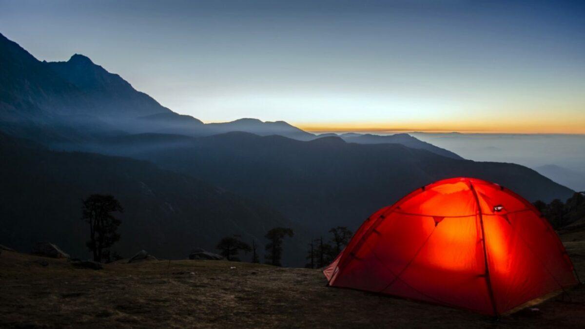 آرامش یافتن با چادر زدن در دل طبیعت