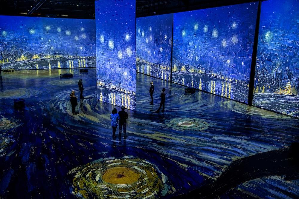 سفری از جنس نور و موسیقی به دنیای ونگوگ